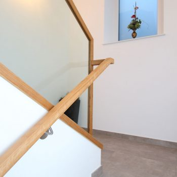 Betonstiege in Eiche lackiert Raum Feldbach
