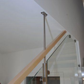 Stahlstiege in Buche lackiert Raum Frohnleiten