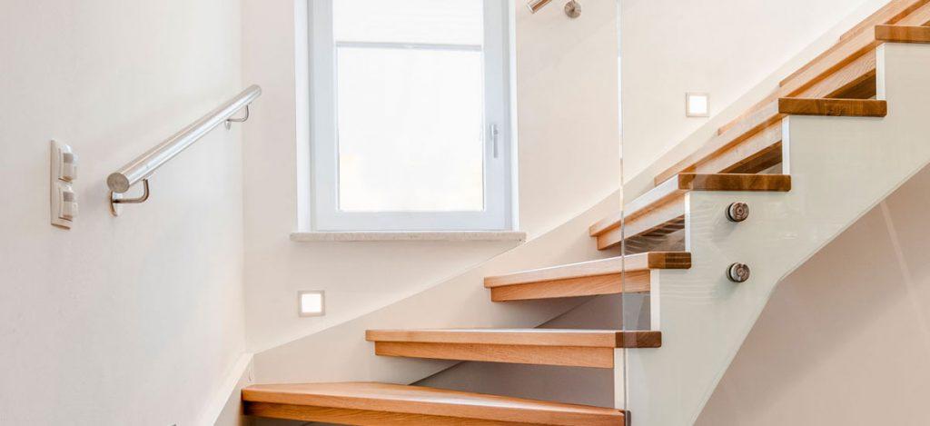 barrierefreies wohnen mit stiegen wie ihre treppe alters und behindertengerecht wird. Black Bedroom Furniture Sets. Home Design Ideas